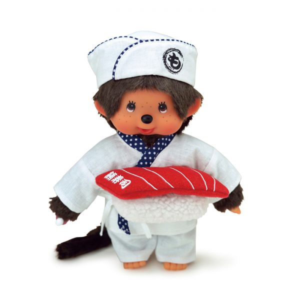 Monchhichi comes in a full sushi cuisine suit, with a white kimono and a kitchen hat. A big sushi in fabric is included. 20 cm. EAN: 4905610261031